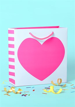 Your heart is full and so is this fabulous gift bag, we hope! Whatever the occasion, spread the love with this cute and classic design. Please note that this bag is medium sized.
